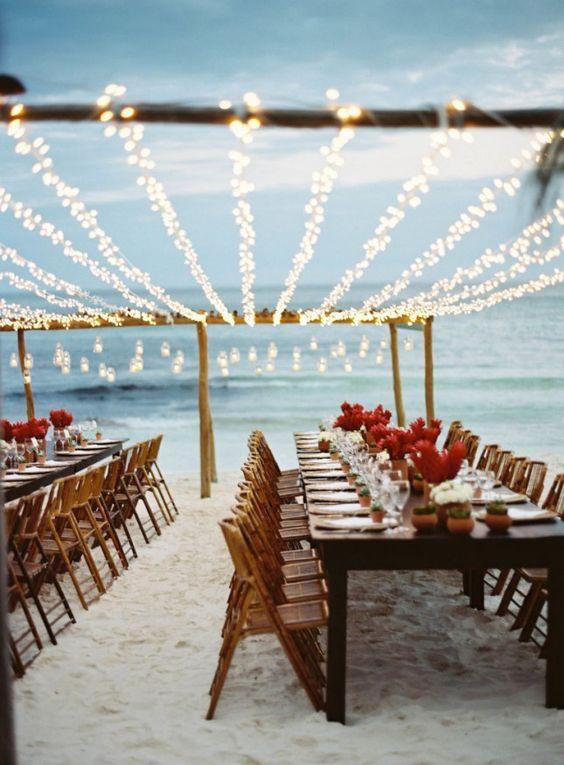 Lampki ledowe świąteczne w plenerze na przyjęciu