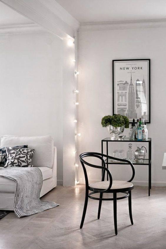 Lampki na sznurku ciepłe LED w salonie