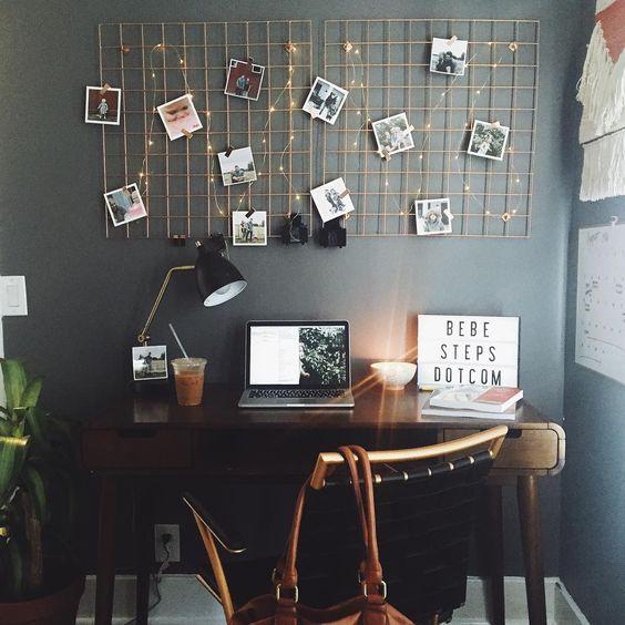 lampki LED na kracie ze zdjęciami w mieszkaniu